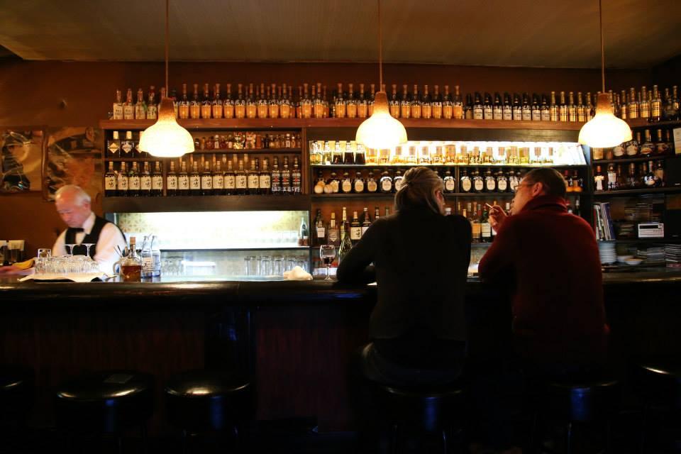横浜レトロバー探検隊、バーについて考えるの巻_e0034141_101785.jpg