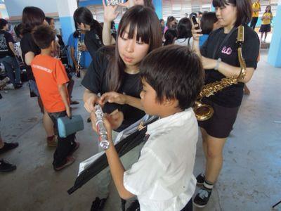 【UUUプロジェクト3日目】スラム地域の公立小学校での演奏_e0030586_844522.jpg