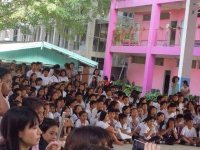 【UUUプロジェクト3日目】スラム地域の公立小学校での演奏_e0030586_8445484.jpg
