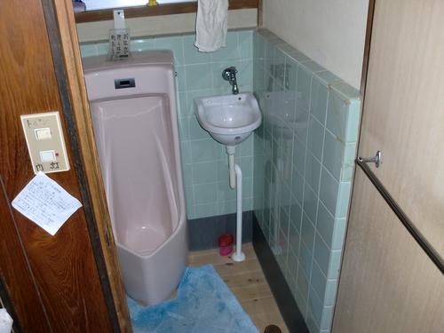 廿日市市 T様邸・トイレ手洗い工事_d0125228_0102048.jpg