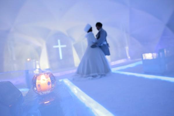 氷の教会 _d0086634_16243235.jpg