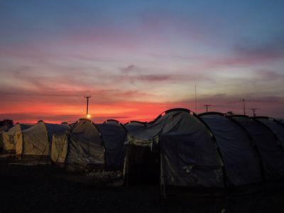 【UUUプロジェクト4日目】台風被災地レイテ島タクロバンからの避難所「テントシティ」へ_e0030586_8213348.jpg