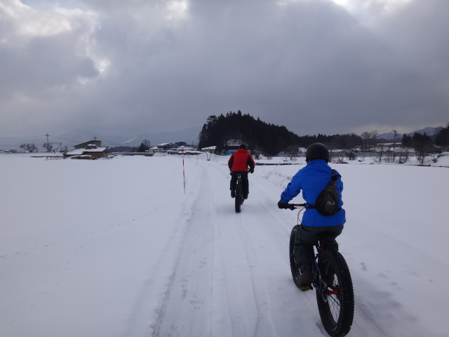 ファットバイクで雪遊び 2014年2月_c0132901_20503174.jpg