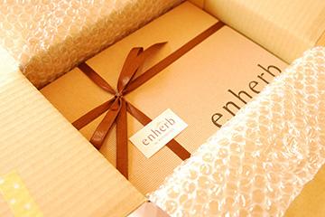 高女子力ビバ箱入りスタバ付きプレゼント♪_b0259218_34513.jpg