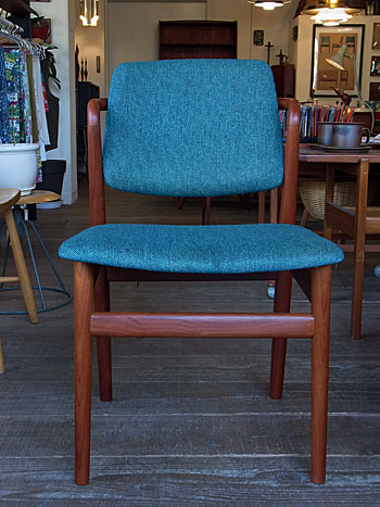 chair_c0139773_17403911.jpg