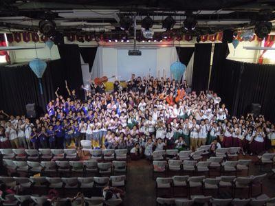 【UUUプロジェクト5日目】フィリピン・セブ地元中学校5校を招待してのコンサート_e0030586_95957.jpg