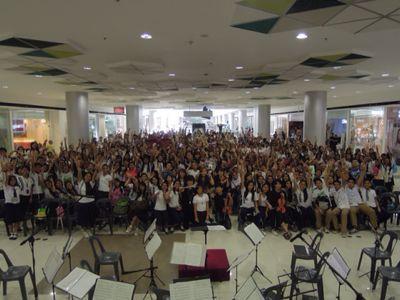 【UUUプロジェクト6日目】地元の高校訪問&ショッピングモールでのコンサート_e0030586_882037.jpg