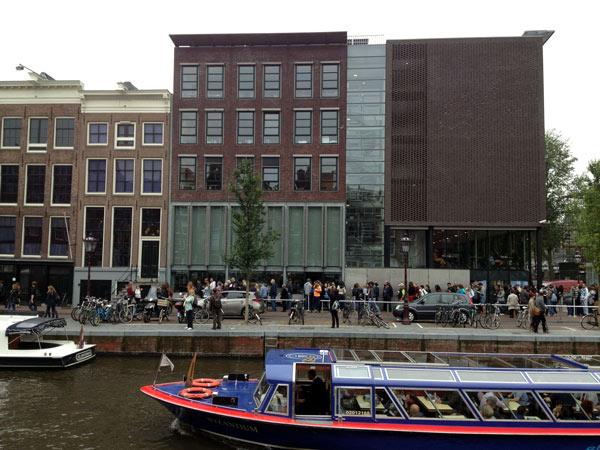 No.35 9月25日 アムステルダム アンネの隠れ家_a0047200_2234174.jpg