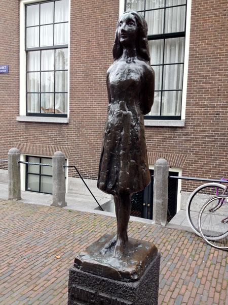 No.35 9月25日 アムステルダム アンネの隠れ家_a0047200_22341754.jpg