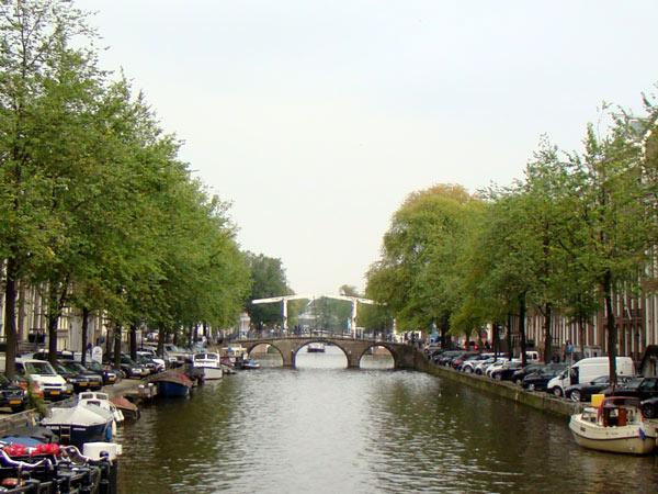 No.35 9月25日 アムステルダム アンネの隠れ家_a0047200_225958.jpg