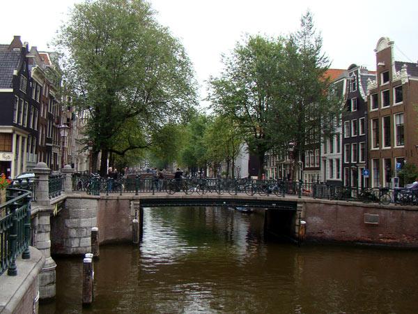 No.35 9月25日 アムステルダム アンネの隠れ家_a0047200_2259755.jpg