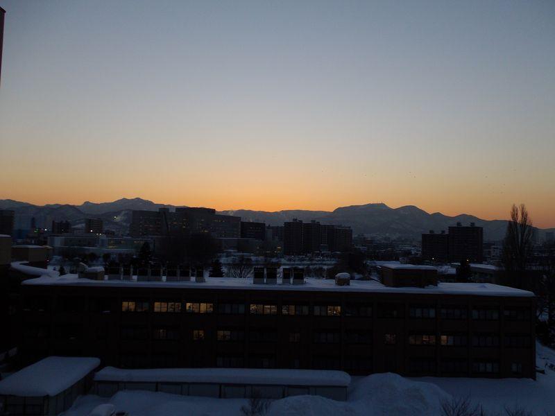 日の入りを見逃した暖気の一日_c0025115_18224148.jpg
