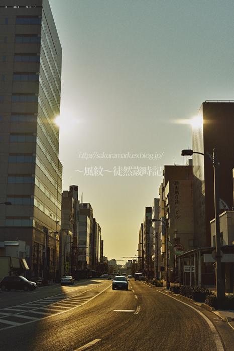黄昏の街。_f0235723_19534364.jpg