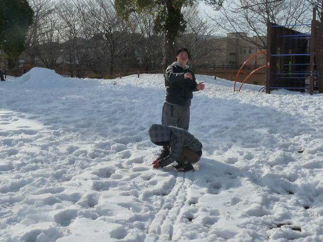 「雪遊び」_c0214657_1902622.jpg