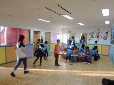 【7日目-1】スラム地域に暮らす子供達のための音楽教室_e0030586_3263885.jpg