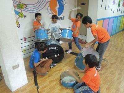 【7日目-1】スラム地域に暮らす子供達のための音楽教室_e0030586_3264283.jpg