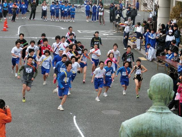 富士山の日に駆け抜けた「今泉駅伝」_f0141310_7103061.jpg