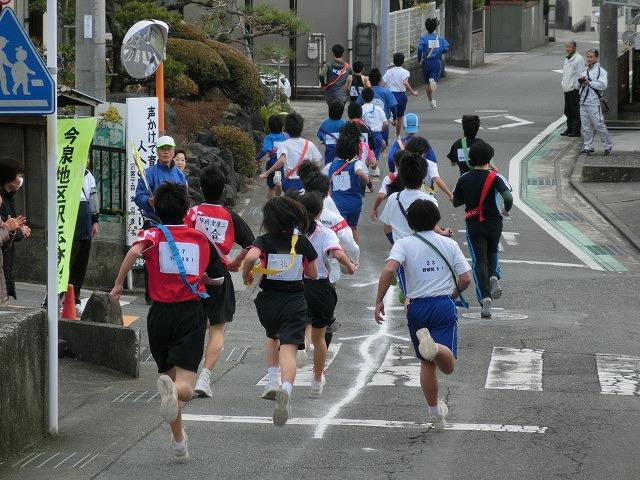 富士山の日に駆け抜けた「今泉駅伝」_f0141310_7105724.jpg