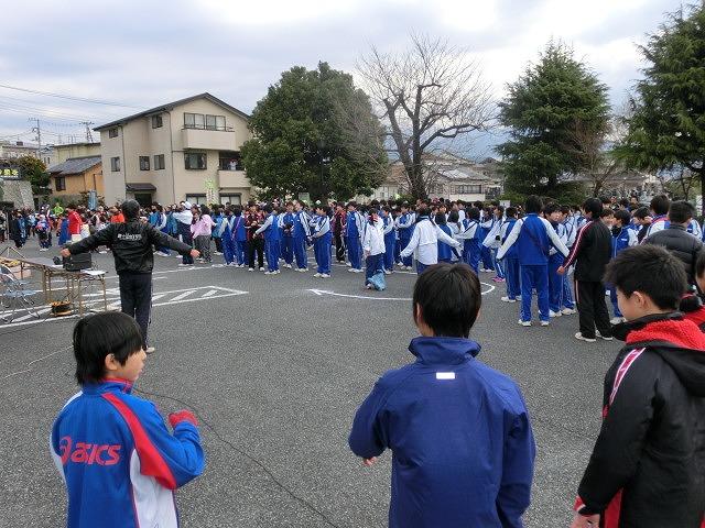 富士山の日に駆け抜けた「今泉駅伝」_f0141310_795345.jpg