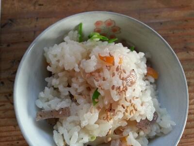鶏ごぼうご飯_a0105740_853142.jpg