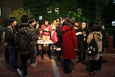 首都大学東京「グラフィックデザインスタジオ2014展」開催中です。_f0171840_14145240.jpg