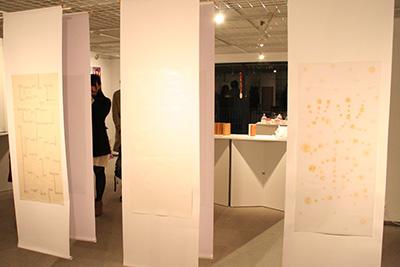 首都大学東京「グラフィックデザインスタジオ2014展」開催中です。_f0171840_14164933.jpg