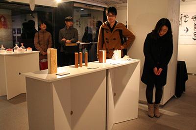 首都大学東京「グラフィックデザインスタジオ2014展」開催中です。_f0171840_14315954.jpg