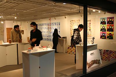 首都大学東京「グラフィックデザインスタジオ2014展」開催中です。_f0171840_14482349.jpg