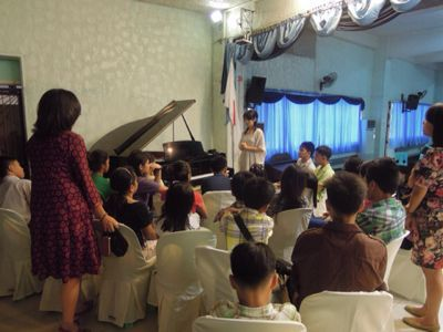 【UUUプロジェクト最終日】子供達への楽器ワークショップと最終コンサート_e0030586_104444.jpg