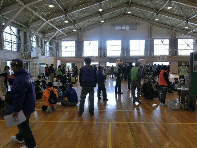 いろいろな考え方が参考になる 富士南地区避難所開設・運営訓練_f0141310_76212.jpg
