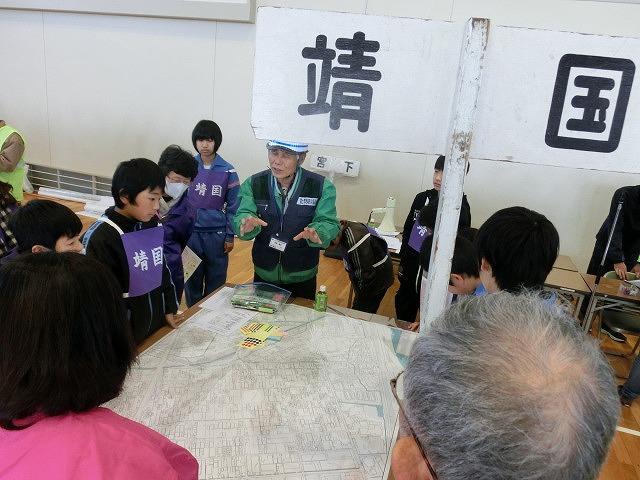 いろいろな考え方が参考になる 富士南地区避難所開設・運営訓練_f0141310_785656.jpg
