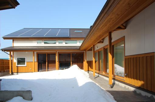 大窓8kW花園町の家:快晴_e0054299_1551432.jpg