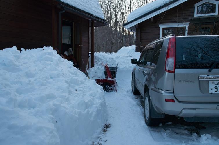 記録的大雪から9日目、自力でやっと車を出す_c0137403_213291.jpg