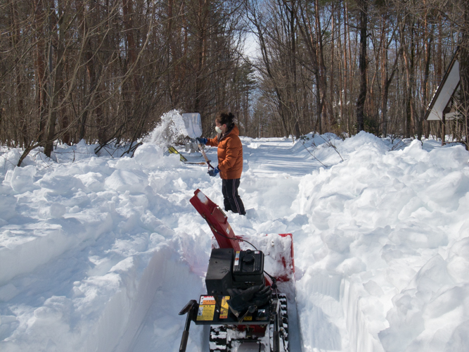 記録的大雪から9日目、自力でやっと車を出す_c0137403_21501931.jpg