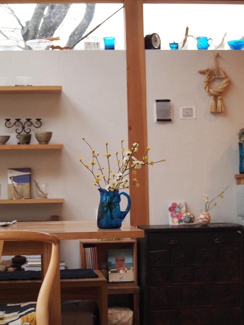 倉敷ガラスと庭の花_d0145345_1551938.jpg