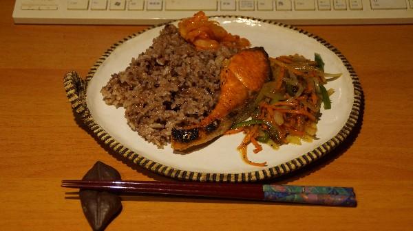 夕飯は焼き魚_e0166355_19362635.jpg