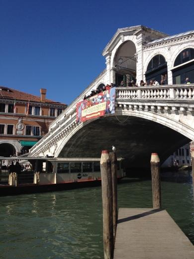24/02/2014  ヴェネツィア:リアルト橋_a0136671_03470242.jpg