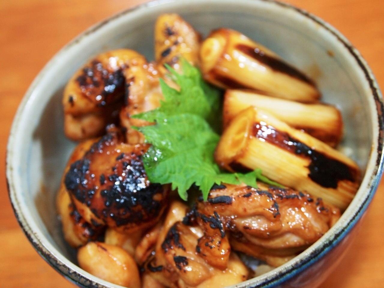 炙り焼鳥丼_a0258686_6445617.jpg