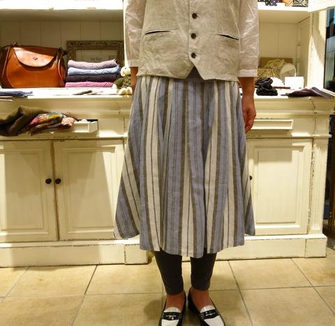 LINAS リネンのギャザースカートがすてき!_c0227633_13162394.jpg