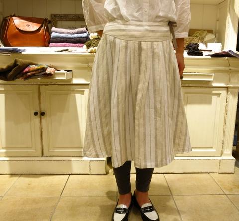 LINAS リネンのギャザースカートがすてき!_c0227633_13181030.jpg