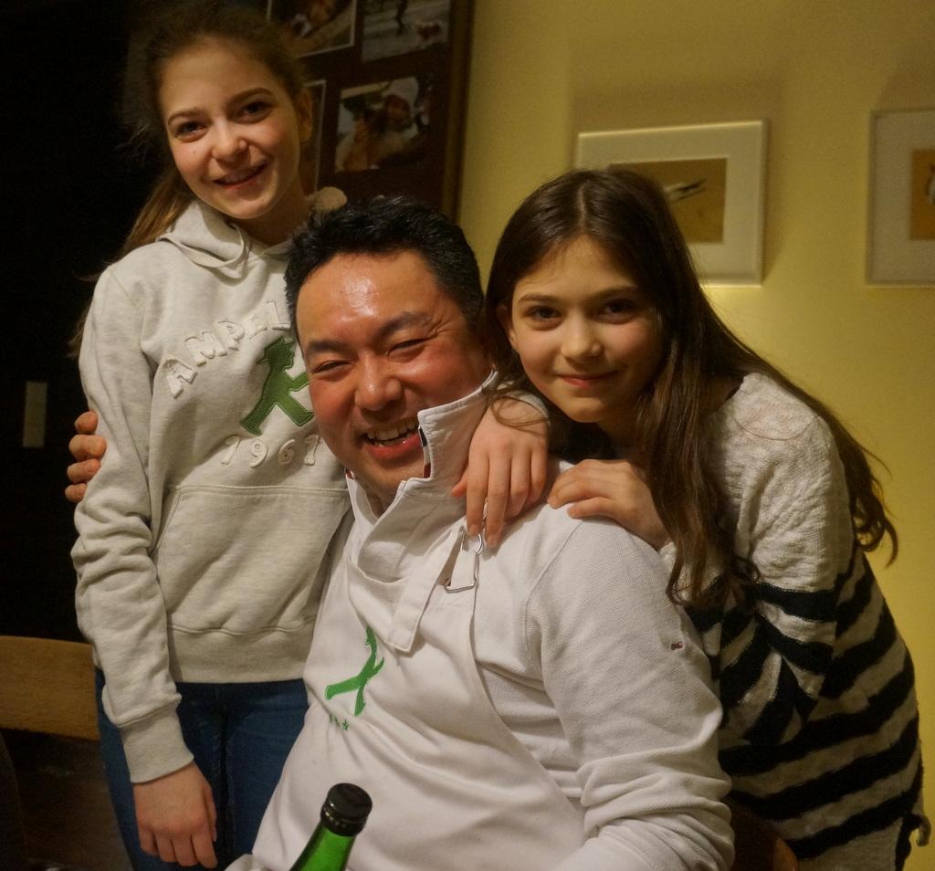 可愛い三姉妹と巻寿し作りの会。_c0180686_05090582.jpg