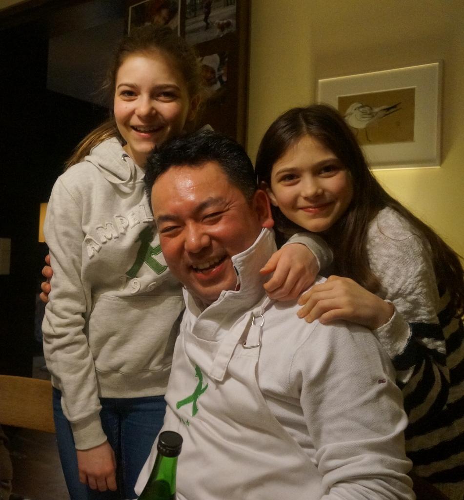 可愛い三姉妹と巻寿し作りの会。_c0180686_05202494.jpg
