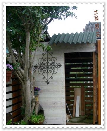 シェッドの屋根替え~^_^;_b0096584_15592328.jpg