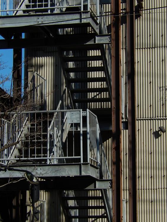 工場階段_c0156717_08054411.jpg