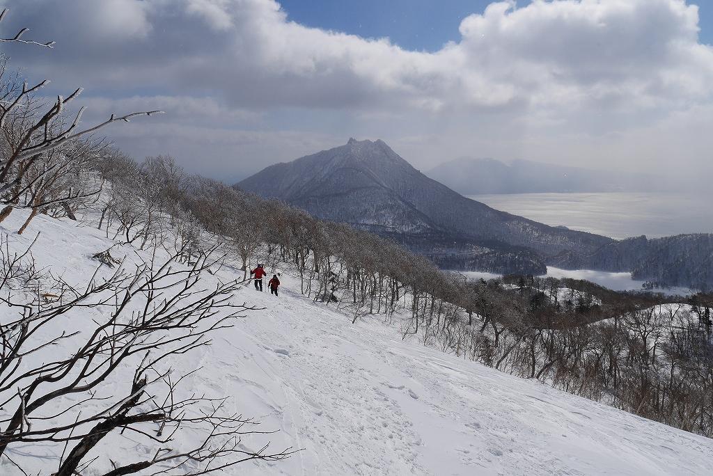 漁岳と小漁山を登ってオコタンペ湖へ、3月2日-その1-_f0138096_225191.jpg