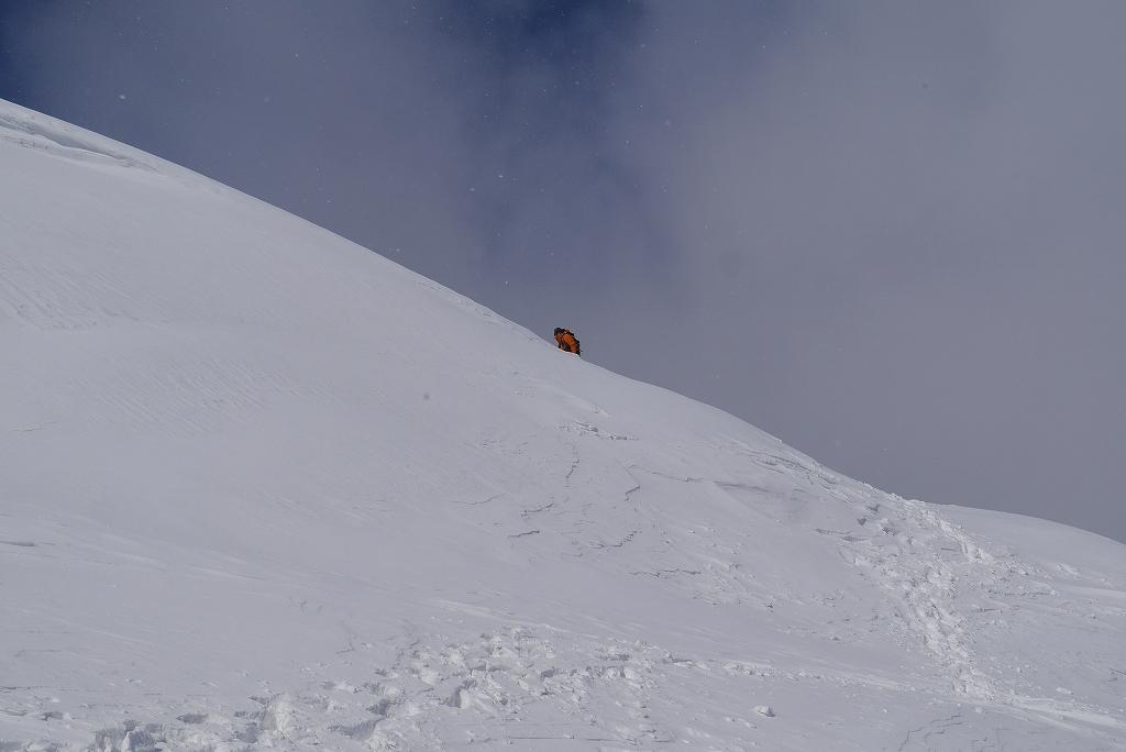 漁岳と小漁山を登ってオコタンペ湖へ、3月2日-その1-_f0138096_2253739.jpg