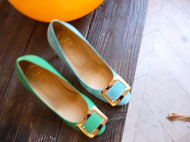 parisの靴事情・・・取りあえずはこれね!_b0210699_17423696.jpg