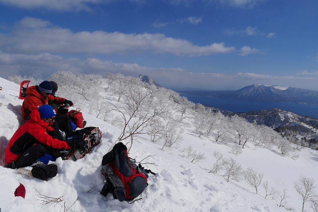 漁岳と小漁山を登ってオコタンペ湖へ、3月2日-その2-_f0138096_1432111.jpg