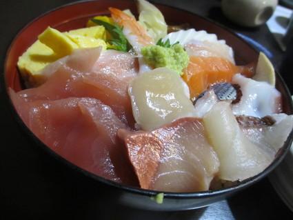 今日も魚。いつものちらし1.5人前@水神(多摩)_c0212604_22575664.jpg