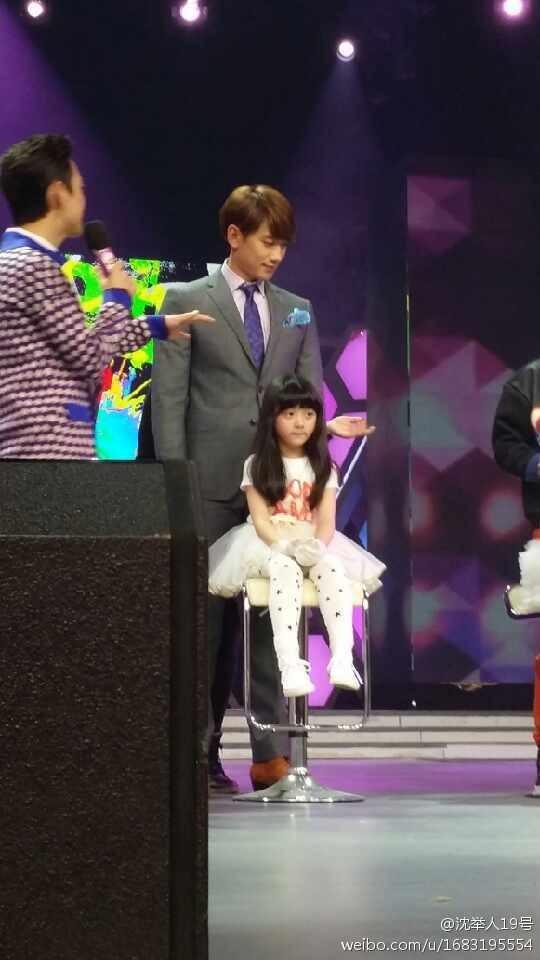 Rain中国のバラエティ番組撮影 白衣を着たり髪の毛をカットしたり_c0047605_872724.jpg
